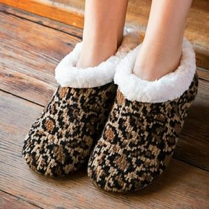 Cheetah Faux Fur Lined Slippers
